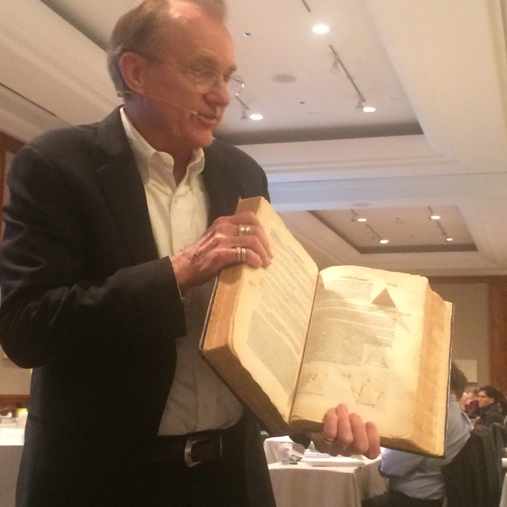 Edward Tufte shows Euclid's Geometry with pop-up 3D models